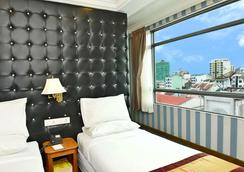 Hotel Grand United - 21st Downtown - Yangon - Bedroom
