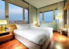 Exe Majestic - Naples - Bedroom