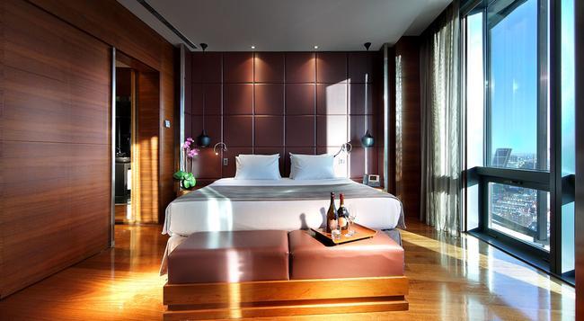 Eurostars Madrid Tower - Madrid - Bedroom