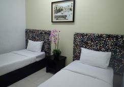 Ar-raudhah Suite & Hotel - George Town - Bedroom