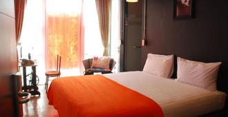 Silom Art Hostel - Bangkok - Bedroom
