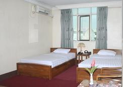 Nice Day Hotel - Yangon - Bedroom