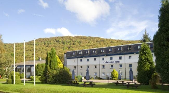 The Caledonian Hotel - Fort William - Building