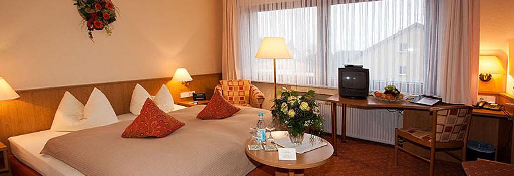 Landhotel May-Hof - Leverkusen - Bedroom