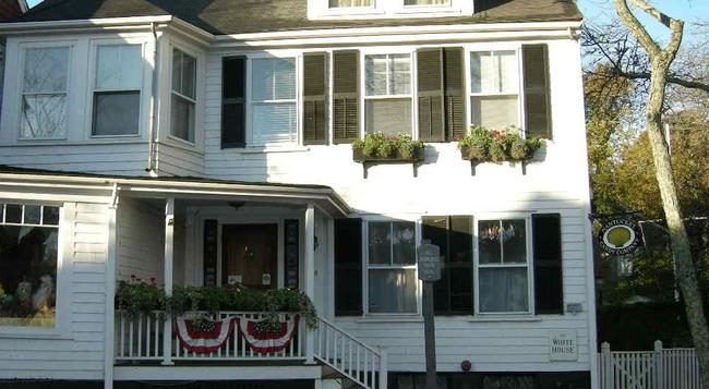 Nantucket White House Inn - Nantucket - Building