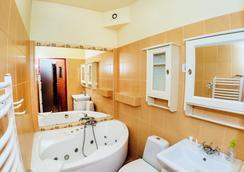 Pensjonat Karczma Beskidzka - Bielsko-Biala - Bathroom