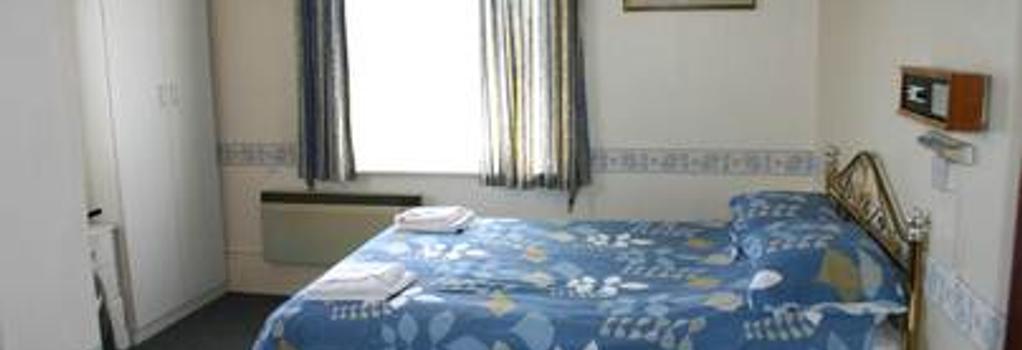 Friends Hotel - Sandown - Bedroom
