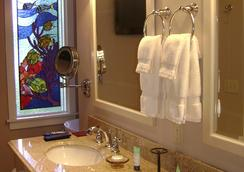 The Hibiscus House Bed and Breakfast - Fort Myers - Bathroom