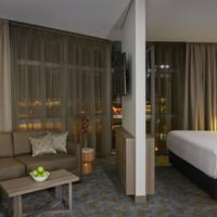 Rydges Sydney Airport Hotel Deluxe King Suite