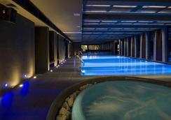 Bliss Hotel & Wellness - Budapest - Pool