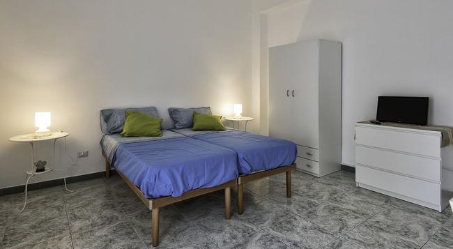 Archita Guest House & Apartment - Bari - Bedroom