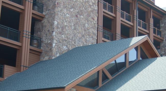 Westgate Branson Woods Resort and Cabins - Branson - Building