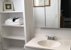 The St. Maurice Beach Inn - Hollywood - Bathroom