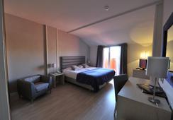 Hotel Puerta de Segovia - Segovia - Bedroom