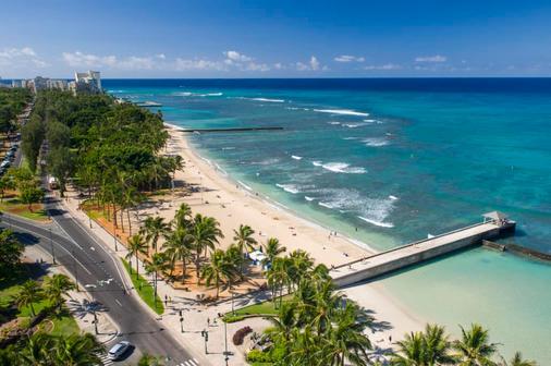 Aston Waikiki Beach Hotel - Honolulu - Beach
