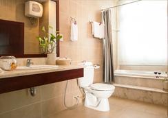 White House Hotel - Da Nang - Bathroom