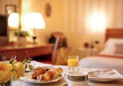Hotel Ambasciatori - Brescia - Bedroom
