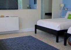 Victoria Park A North Beach Village Resort Hotel - Fort Lauderdale - Bedroom
