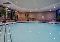 Crowne Plaza Newark Airport - Elizabeth - Pool