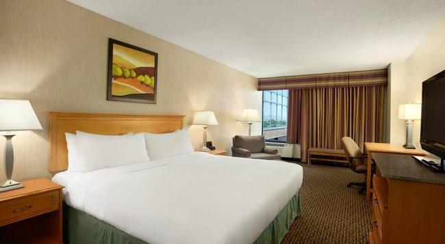 Radisson Hotel Denver Southeast, CO - Aurora - Bedroom