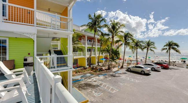 Pierview Hotel & Suites - Fort Myers Beach - Beach