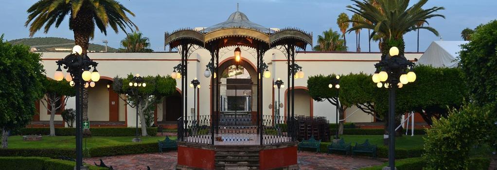 Mision Juriquilla Querétaro - Santiago de Querétaro - Building