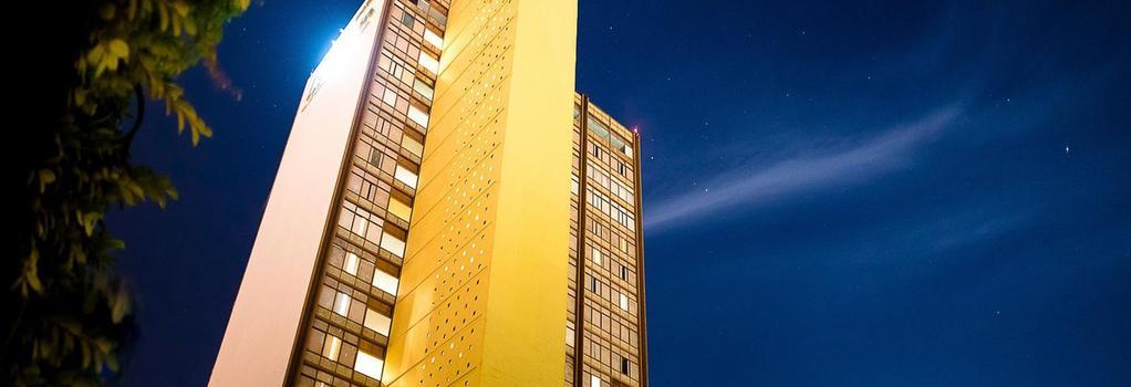 Hotel Misión Guadalajara Carlton - Guadalajara - Building