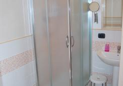 B&B La Finestra Sulla Valle - Agrigento - Bathroom