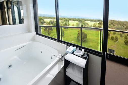 Rydges Adelaide - Adelaide - Bathroom