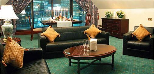 Britannia The International Hotel London, Canary Wharf - London - Living room