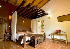 Mountain Paradise Hotel - La Fortuna - Bedroom