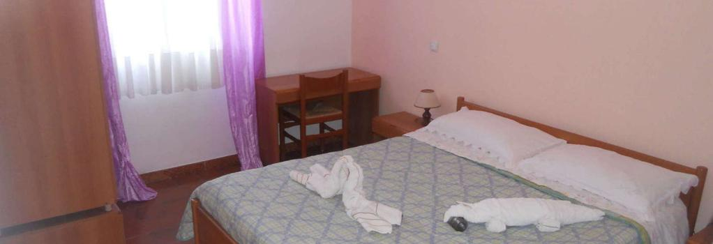 Hotel Umberto - Ricadi - Bedroom
