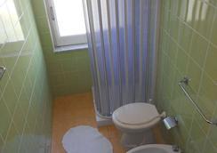 Hotel Umberto - Ricadi - Bathroom