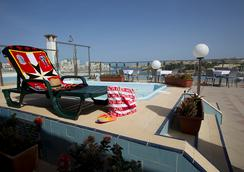 115 The Strand Hotel and Suites - Gzira - Pool