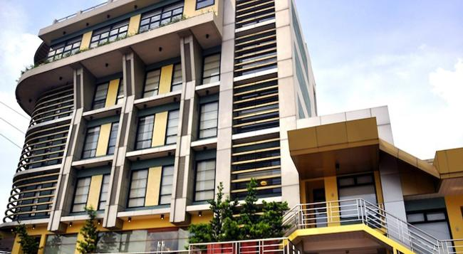 Soleste Suites - Quezon City - Building