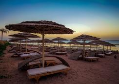 Cleopatra Luxury Resort Sharm El Sheikh - Sharm el-Sheikh - Beach