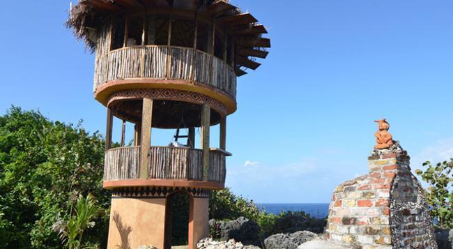 Great Huts - Port Antonio - Building
