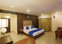 The Contour Hotel - Guwahati - Bedroom