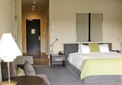 Black Rock Oceanfront Resort - Ucluelet - Bedroom