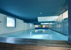 Plus Prague Hostel - Prague - Pool