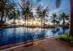 Katathani Phuket Beach Resort - Karon - Pool