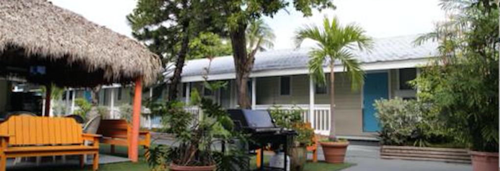 Seashell Motel & Key West Hostel - Key West - Building