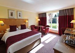 Savill Court Hotel - Egham - Bedroom