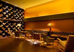Brown TLV Urban Hotel - Tel Aviv - Lobby