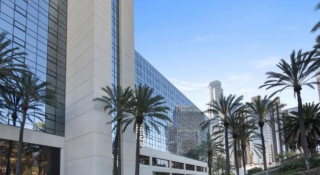The LA Hotel Downtown - Los Angeles - Building