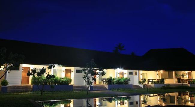 Costa Pacifica Resort - Baler - Building