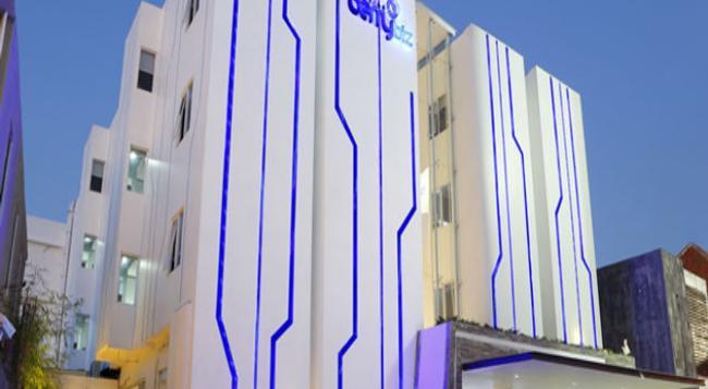 Berry Biz Hotel - Legian - Building