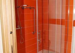 Hostal Doña Juana - Ávila - Bathroom