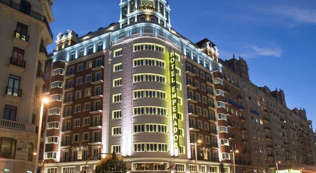 Hotel Emperador - Madrid - Building