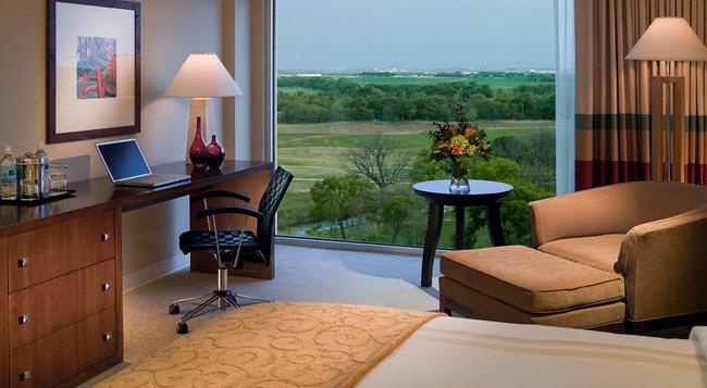 Dallas Fort Worth Marriott Hotel and Golf Club at Champions Circle - Fort Worth - Bedroom